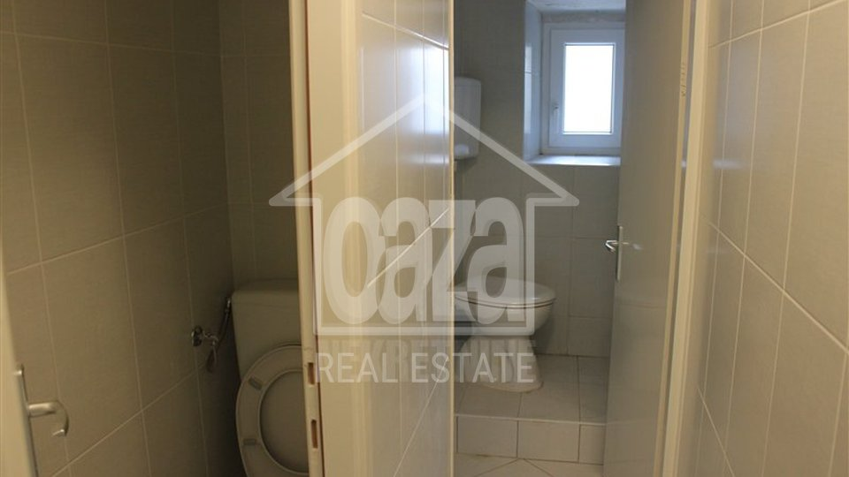 Commercial Property, 200 m2, For Rent, Rijeka - Centar