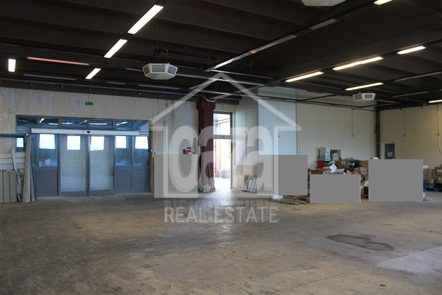 Commercial Property, 850 m2, For Rent, Matulji