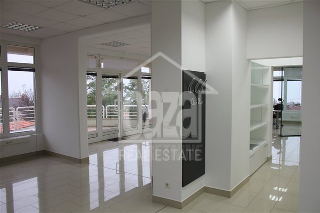 Commercial Property, 124 m2, For Rent, Rijeka - Zamet