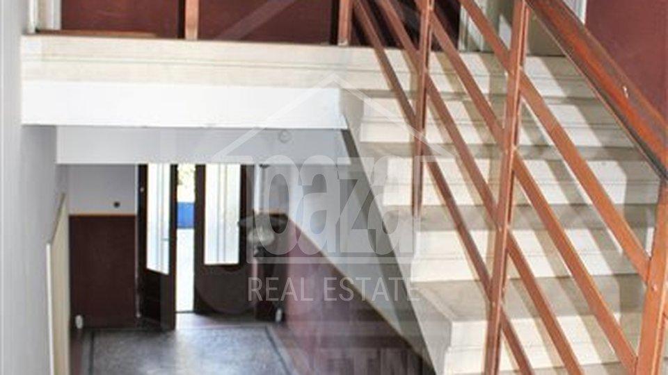 House, 450 m2, For Rent, Rijeka - Trsat
