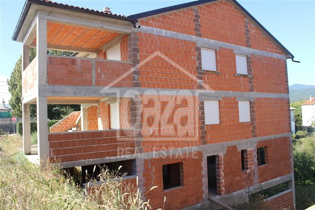 House, 420 m2, For Sale, Kastav