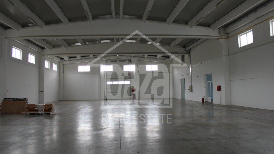 Commercial Property, 310 m2, For Rent, Kukuljanovo