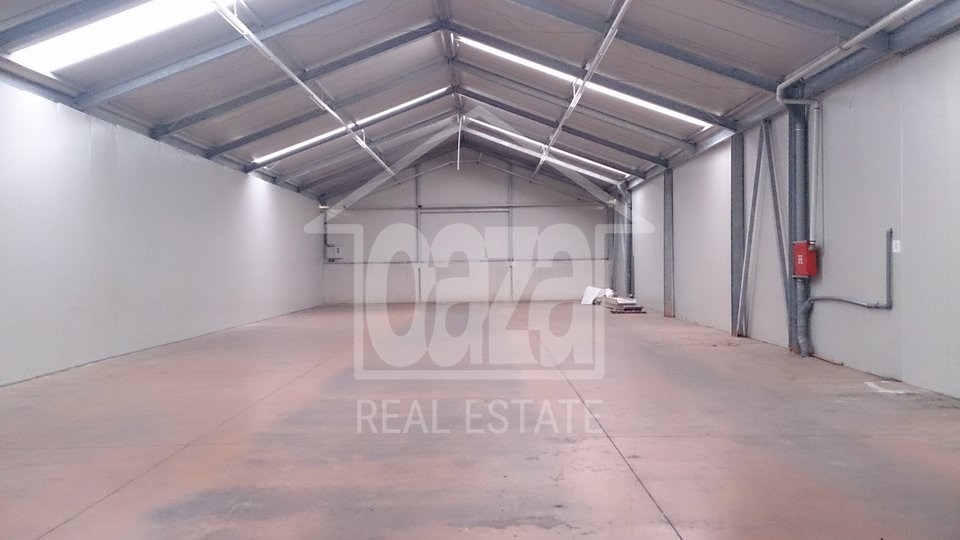 Commercial Property, 410 m2, For Rent, Rijeka - Škurinje