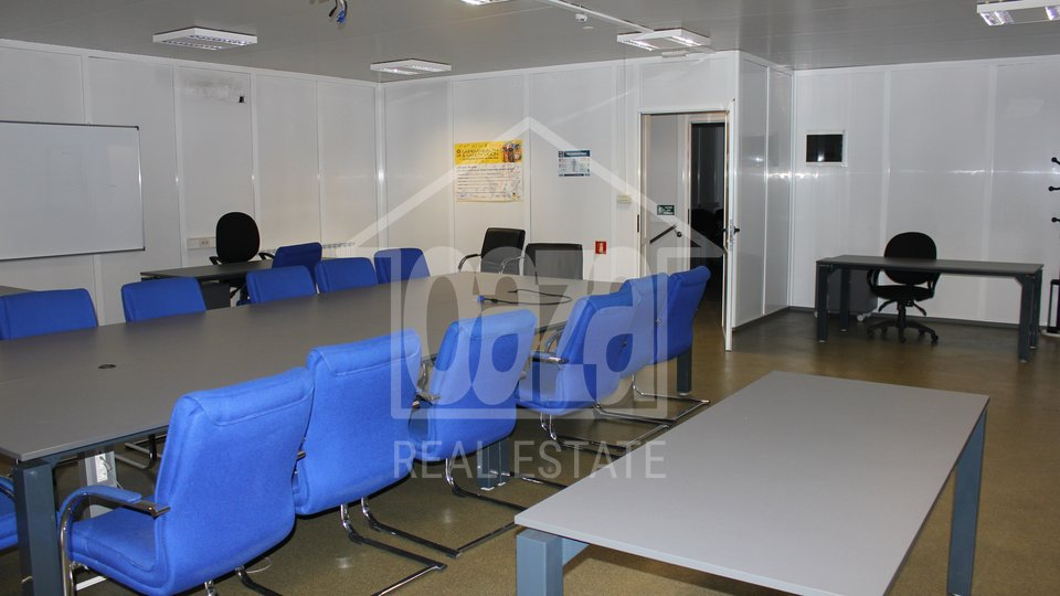 Commercial Property, 190 m2, For Rent, Rijeka - Mlaka