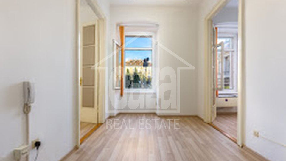 Commercial Property, 87 m2, For Rent, Rijeka - Centar