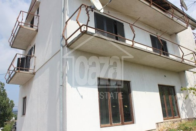 House, 434 m2, For Sale, Viškovo - Mladenići