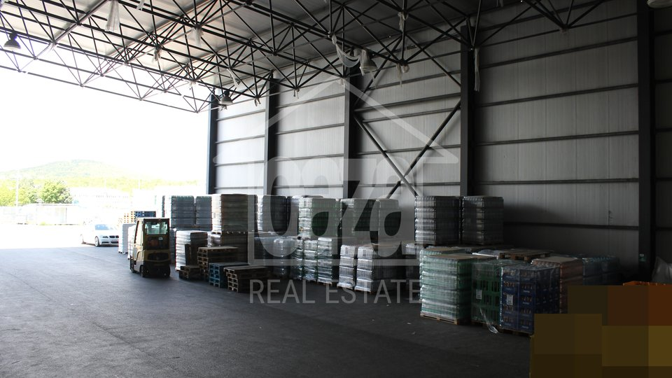 Commercial Property, 720 m2, For Rent, Kukuljanovo