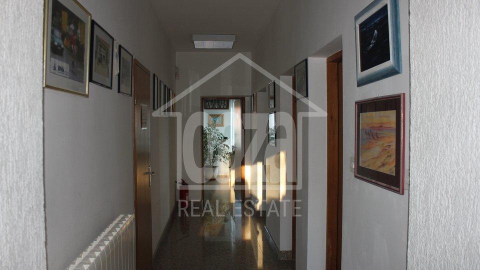 Geschäftsraum, 330 m2, Vermietung, Rijeka - Marinići