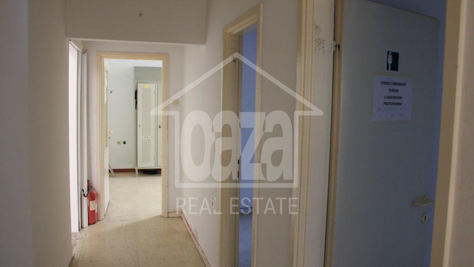 Commercial Property, 1050 m2, For Rent, Rijeka - Škurinje