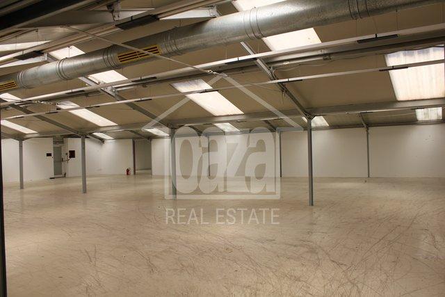 Geschäftsraum, 620 m2, Vermietung, Rijeka - Škurinje