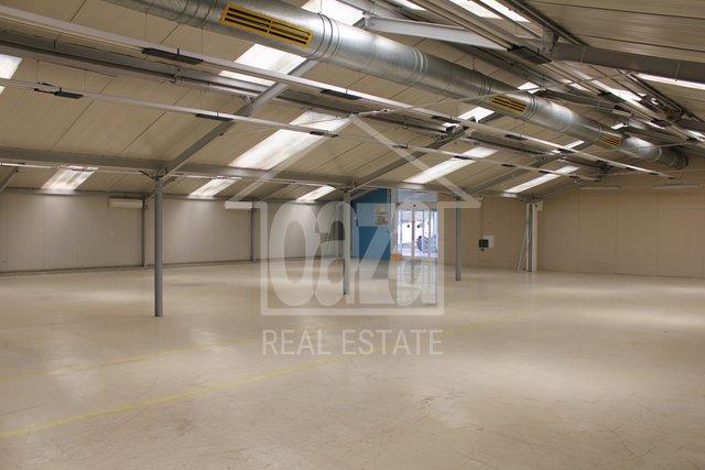 Geschäftsraum, 430 m2, Vermietung, Rijeka - Škurinje