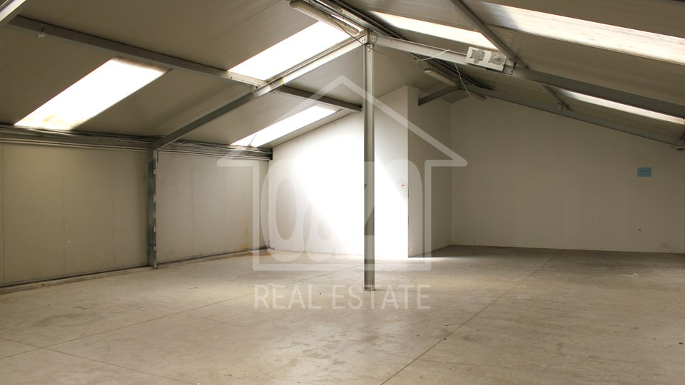 Commercial Property, 205 m2, For Rent, Rijeka - Škurinje