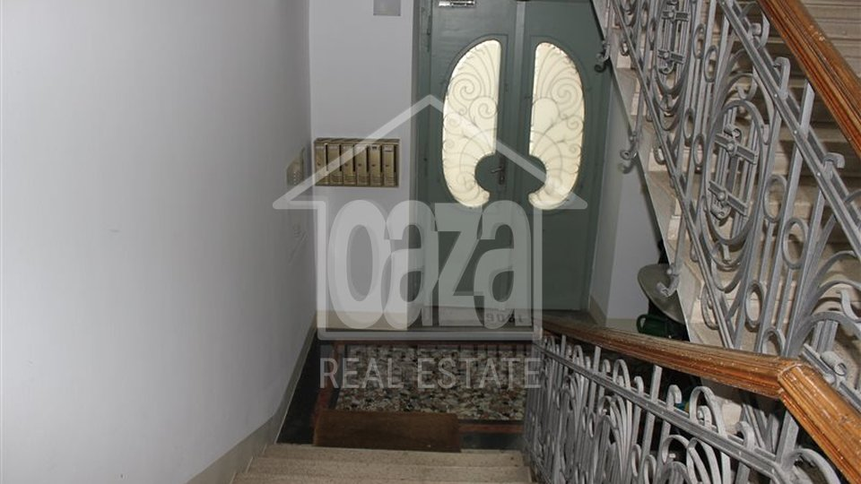 Commercial Property, 190 m2, For Sale, Rijeka - Bulevard