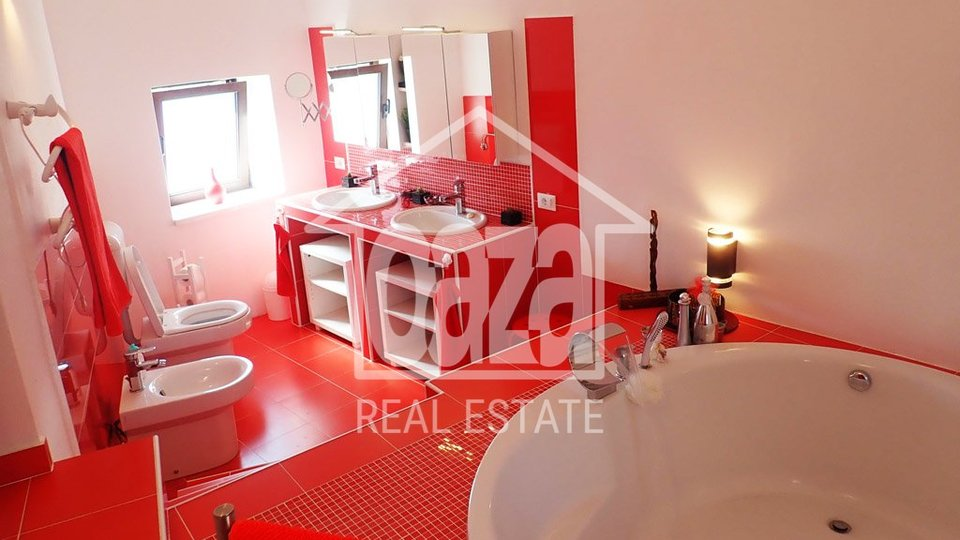 House, 200 m2, For Sale, Praputnjak