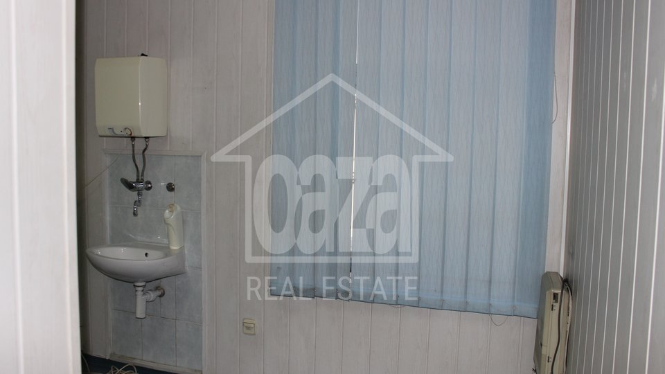 Commercial Property, 115 m2, For Rent, Rijeka - Centar