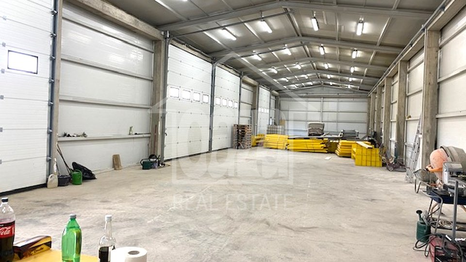 Commercial Property, 380 m2, For Rent, Čavle