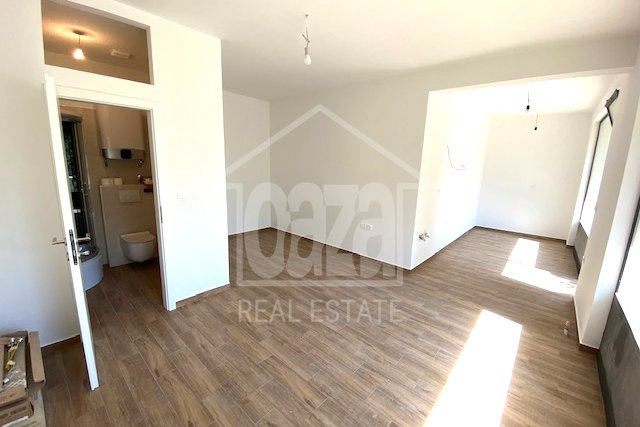 Commercial Property, 28 m2, For Rent, Rijeka - Zamet