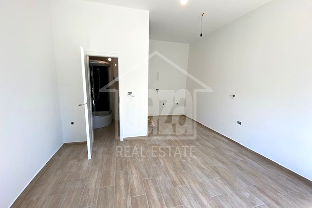 Commercial Property, 20 m2, For Rent, Rijeka - Zamet
