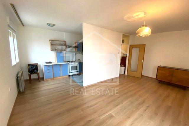 Gornja Vežica, 2s+db odmah useljiv stan, 89.000 EUR