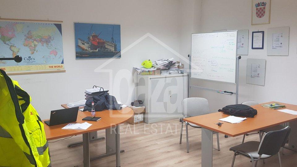 Poslovni prostor, 500 m2, Najam, Rijeka - Donja Vežica