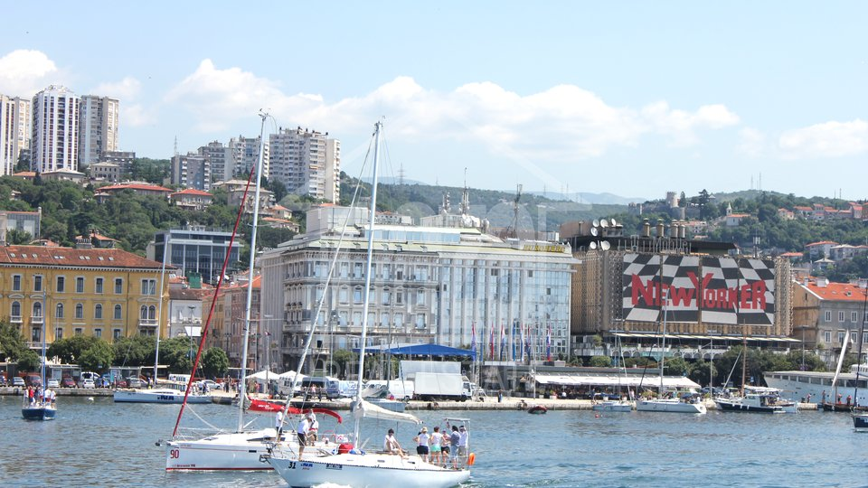Commercial Property, 830 m2, For Rent, Rijeka - Centar