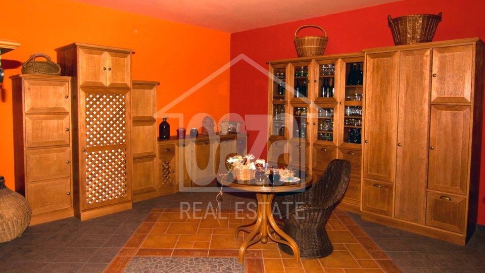 Casa, 400 m2, Vendita, Kastav
