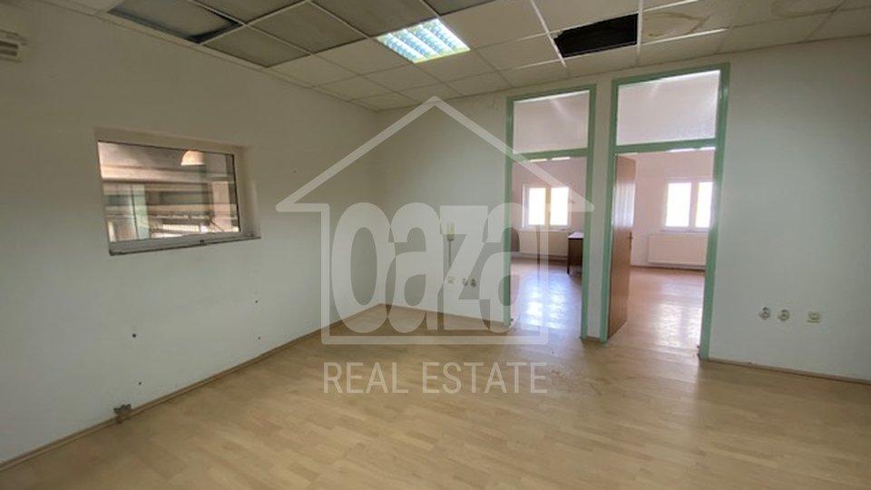 Commercial Property, 1350 m2, For Rent, Kukuljanovo