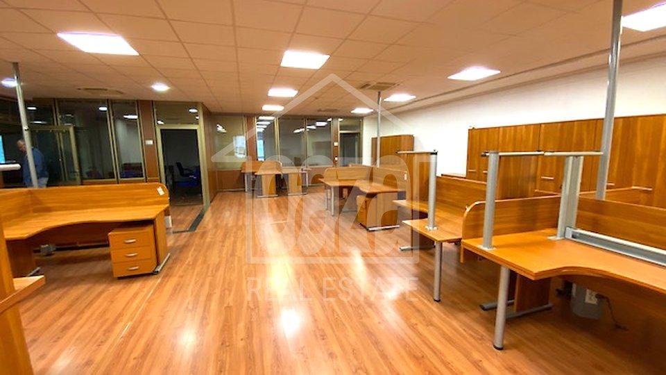 Uffici, 833 m2, Affitto, Rijeka - Centar