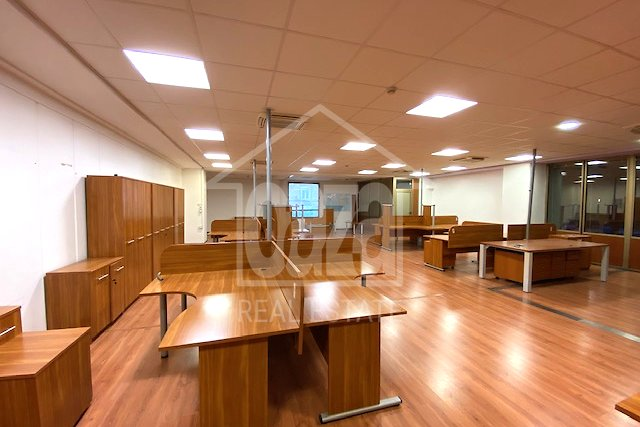 Commercial Property, 1666 m2, For Rent, Rijeka - Centar