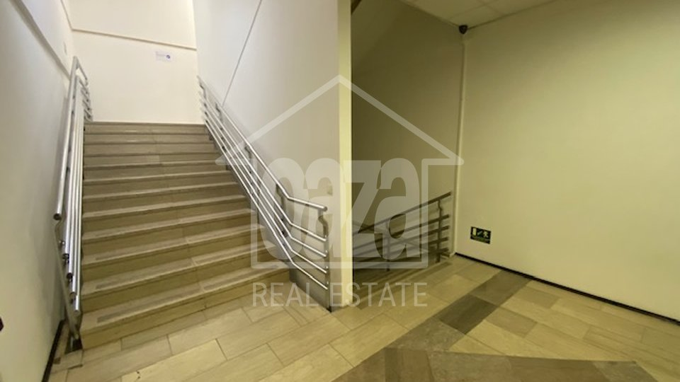 Uffici, 1666 m2, Affitto, Rijeka - Centar