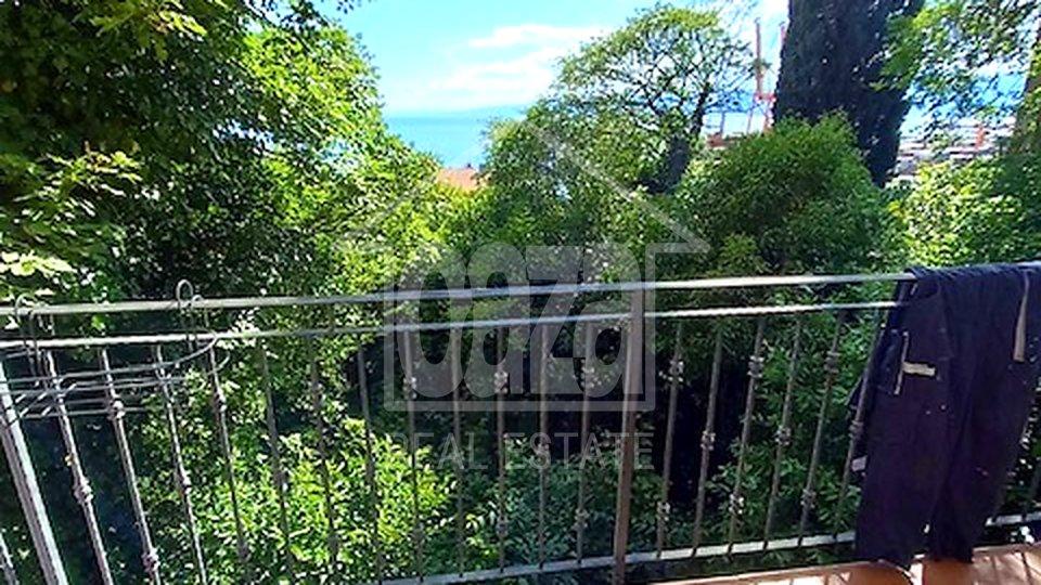 Pećine, uređen 2s+db stan sa balkonom