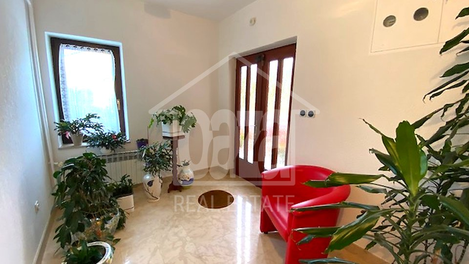 House, 399 m2, For Sale, Dražice