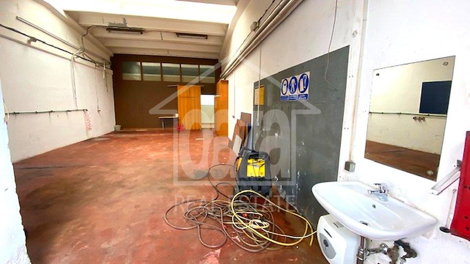 Kukuljanovo, skladište + ured 100m2 prilaz šleperu